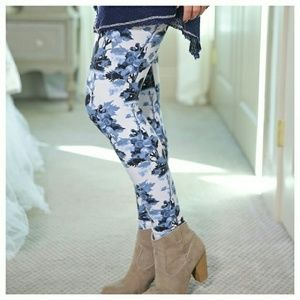 Infinity Raine Pants - NWT BLUE FLORAL SOFT KNIT LEGGINGS