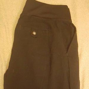 Black maternity dress pants Liz lange size 8