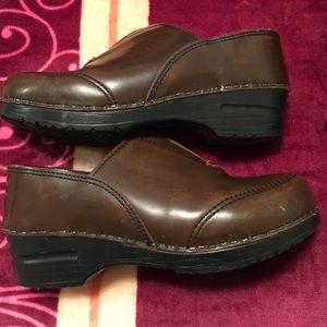 Dansko Shoes - Dansko shoes brown size 37-7 US few skuff marks