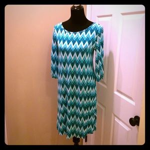 Pixley Dresses & Skirts - Super Comfy & Bright Geometric Print Dress
