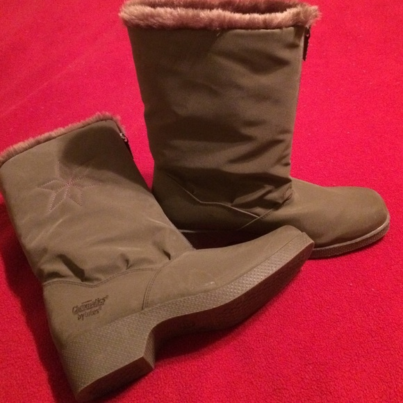 Chromatics By Totes Snowflake Boots