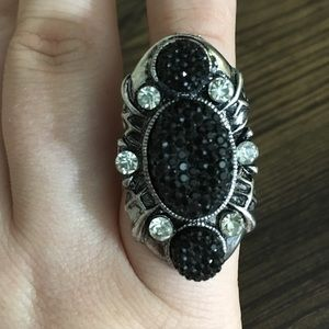 HP ❤ Long Black & Bling Rhinestone Adjustable Ring