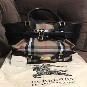 Burberry Handbags - Authentic Burberry Tote Bridle House Check Medium