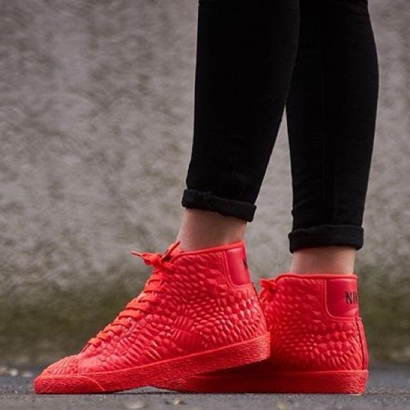Nike Blazer Mid DMB Womens