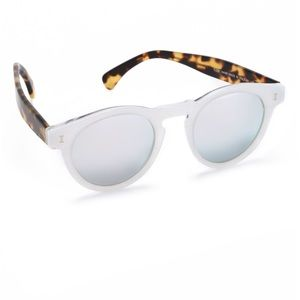 Illesteva Accessories - Illesteva white sparkle Lenard