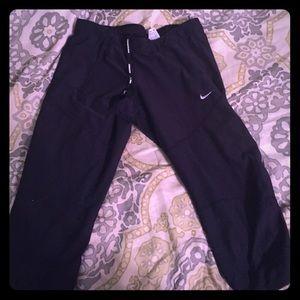 Nike crop leggings black