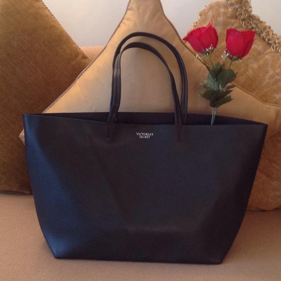 94630465ca3f 🍃🌹 Victoria s Secret  - Faux Blk Leather Tote 🍃