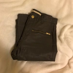Zara Denim - Zara skinny pants with gold zipper detail. Size 4