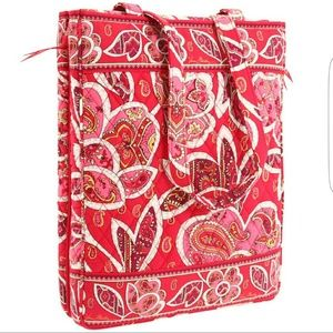 Vera Bradley Handbags - Like New Vera Bradley Laptop Travel Tote