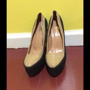 Apple Bottoms Shoes - New Never Worn Tan/Black Apple Bottom Pazia Pump