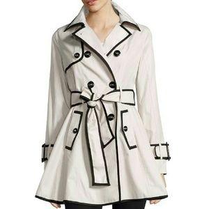 Betsey Johnson Jackets & Blazers - Betsey Johnson Trench Coat