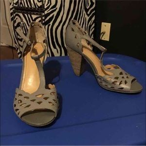 Shoes - 🖤donating soon🖤Grey open toed heels