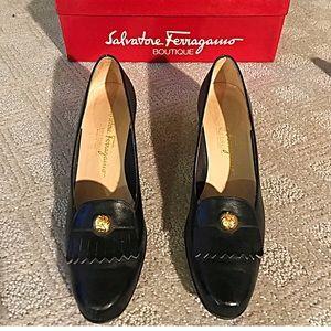 SALVATORE FERRAGAMO Leather Shoe (size 8 narrow)💗