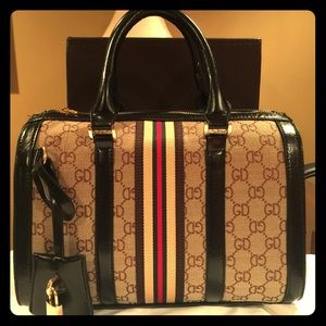 Gucci Handbags - Gucci carry-all luggage tote