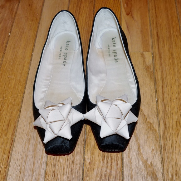 316adbe39 kate spade Shoes - Kate Spade Gift Bow Leather Sole Ballet Slippers