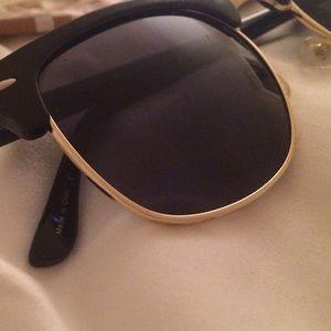 39b41f7d616 sunglass spot Accessories - ‼️Black gold brow bar half frame sunglasses‼