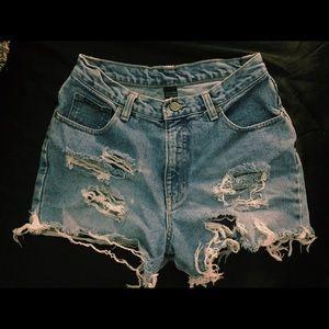 🦄 Distressed Denim Shorts