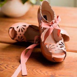 Joan & David Shoes - 🎀Joan & David Patent Pumps🎀