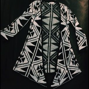 濾 Black And White Printed Sweater Cardigan