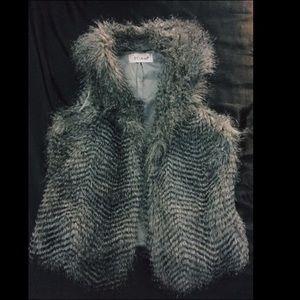 🦄 Faux Fur Vest
