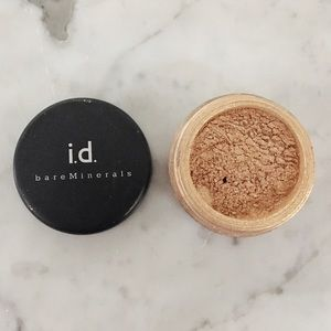 Sephora Other - Bare Minerals i.d. eyeshadow in True Gold