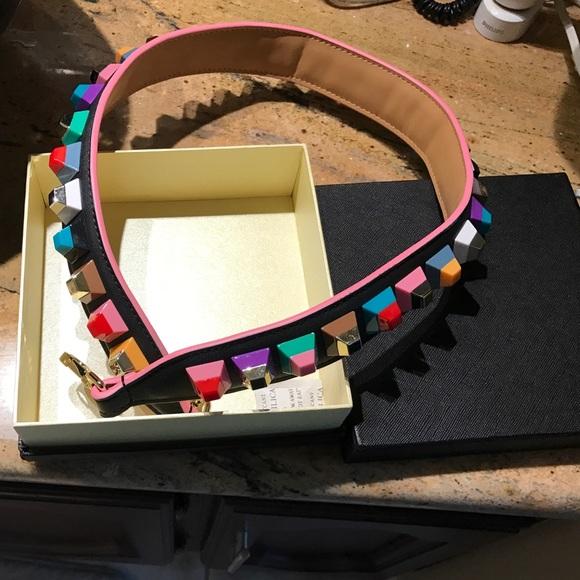 07c5be77cdb37 Handbag shoulder strap designed like fendi