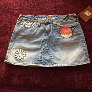 True Religion Dresses & Skirts - NEW. TRUE RELIGION MINI SKIRT WITH PATCHES. SZ 31
