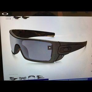 Frank & Oak Other - Oakley Batwolf Sunglasses