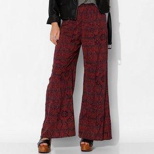Urban Outfitters Pants - ❗️FINAL PRICE❗️ Ecoté Wide-Leg Flare Palazzo Pants