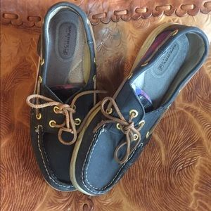 Sperry Shoes - Sperry bluefish navy/cobalt Plaid women's EUC 8.5