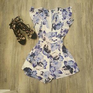 Dresses & Skirts - Floral romper