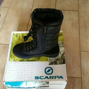 Scarpa Shoes - NWT Scarpe Lech women Boots Sz 9