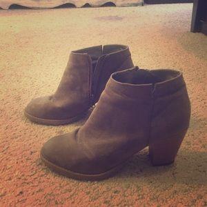 Gabriella Rocha Shoes - Gabriella Rocha Grey booties !