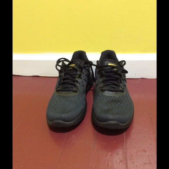 new product e3ce5 f08be NWT Womens Nike LunarGlide 8 Gold and Black NWT