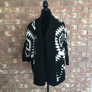 Sweaters - Black/White Aztec Cardigan Short Sleeve