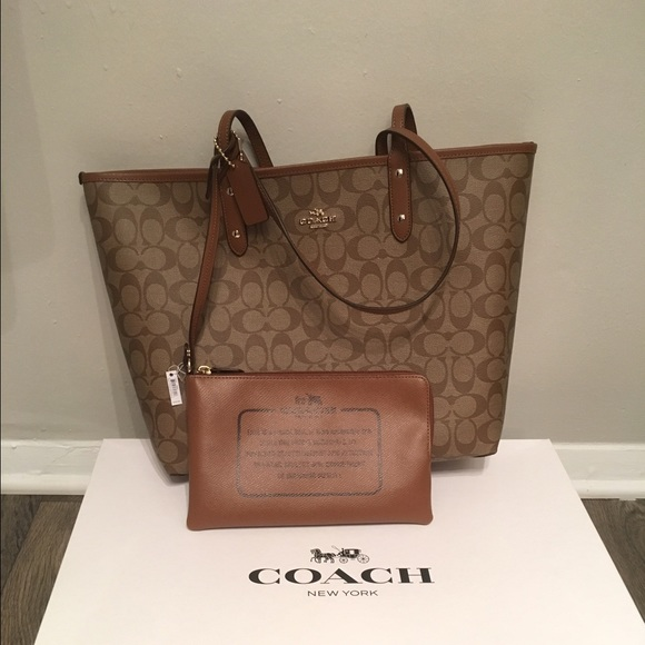 ef30bb7697551d ❤️Authentic COACH Reversible Tote.❤️