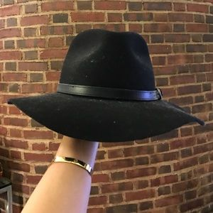 Accessories - Black felt fedora hat with leather detail