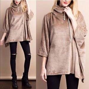 STASSIE oversized fleece poncho top - MOCHA