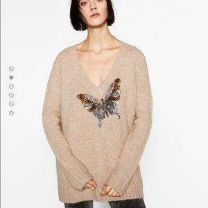 🆕Zara V neck sweater wt a butterfly