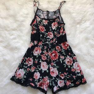 Luna Chix Other - Black floral and lace romper