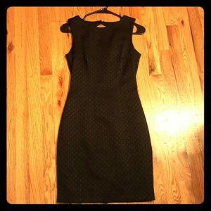 *BRAND NEW*H&M black Patterned shift dress, size 4