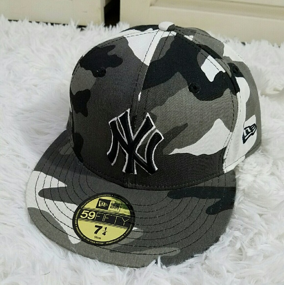 0a46878fc7f NEW CAMO NY YANKEES FITTED HAT. M 58801f0deaf03042ee00da6e