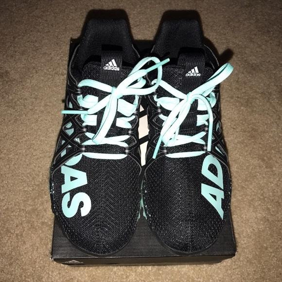 2497cf834 Women s Adidas Vigor Bounce size 5