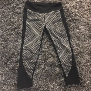 Gently worn cropped fabletics leggings
