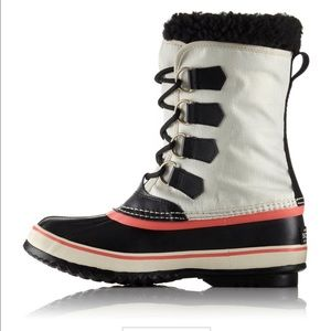 NWT in box Sorel snow boots