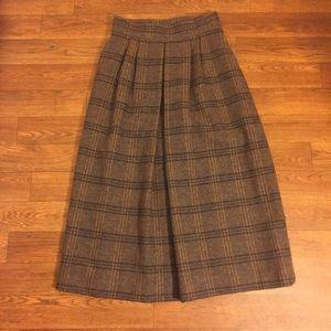 Vintage Dresses & Skirts - Scotland Yard Vintage Plaid Wool Skirt size 6