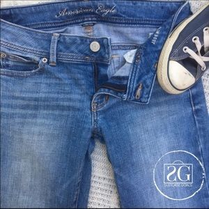 American Eagle Outfitters Denim - American Eagle Medium Wash Jeans