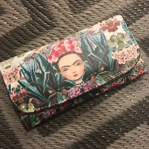 Cielito Lindo  Handbags - 💋New Frida Kahlo Wallet with Mirror Full Size