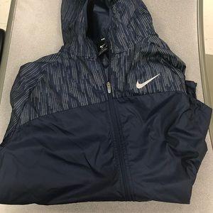 Nike Jackets   Coats - Nike Women s Shield Flash Full Zip Running Jacket c39dfc40d2