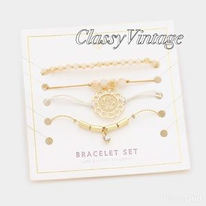 boutique Jewelry - Set of 4 bracelets in natural and gold theme